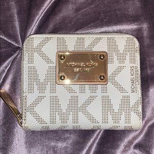 Michael Kors Monogram wallet/pouch
